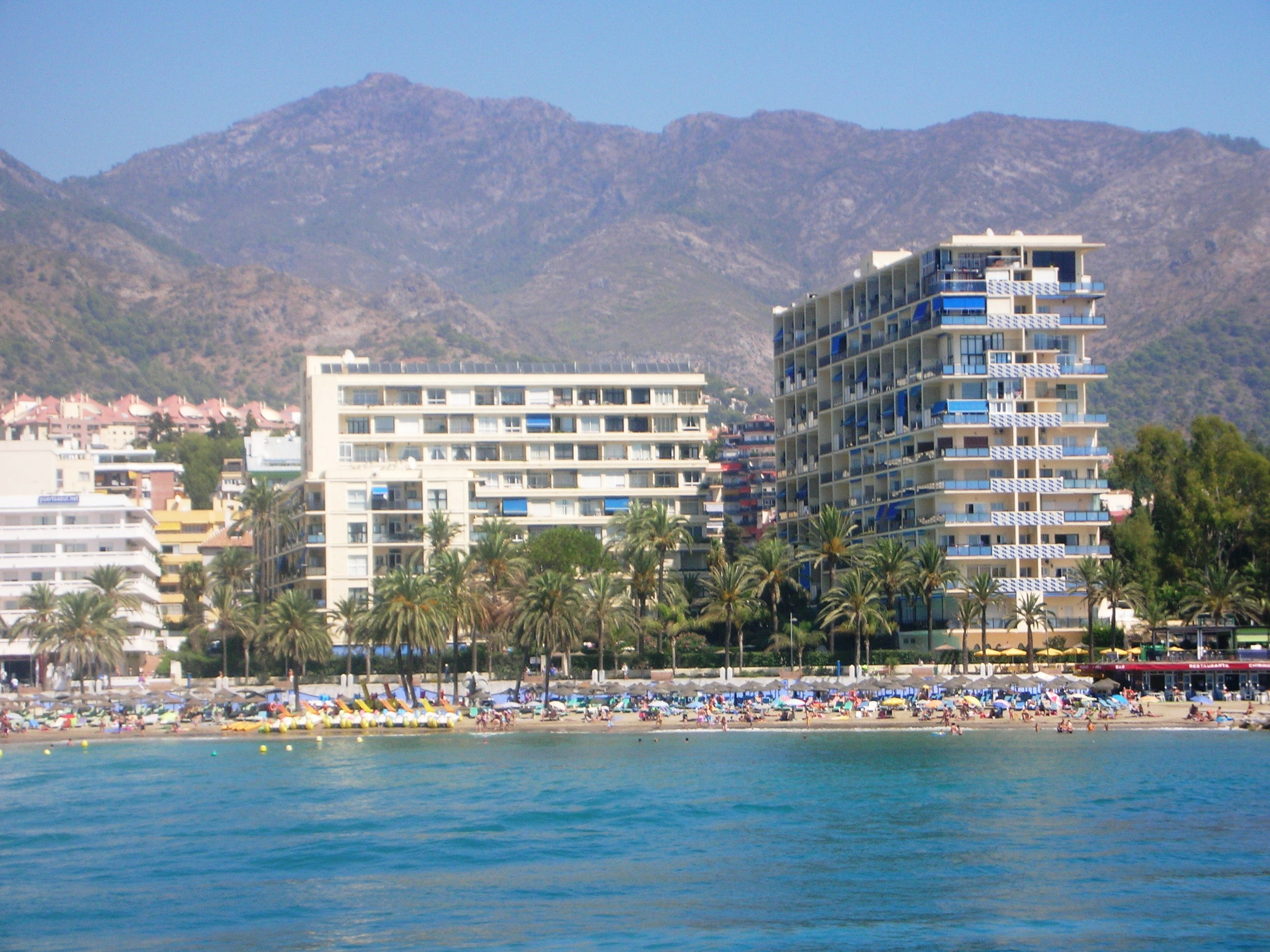 The enviable beachfront position of the Skol apartments, Marbella