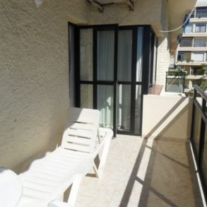 SKOL 532C – beachfront corner 1 bedroom apartment